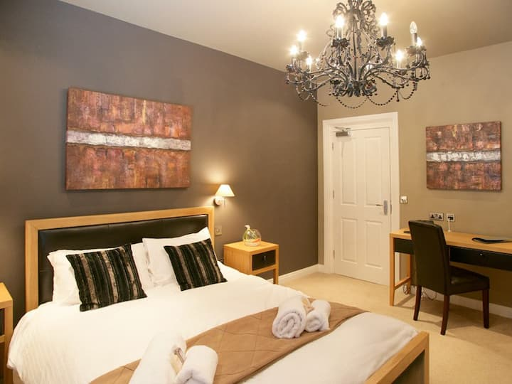 Stylish king double room with all the conveniences you would expect from a Boutique Hotel.