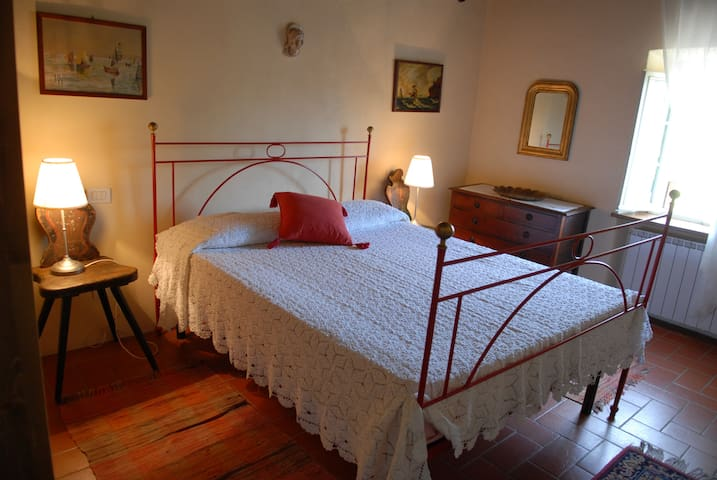 Cozy Apt in Villa close to Lucca - Capannori - Apartamento