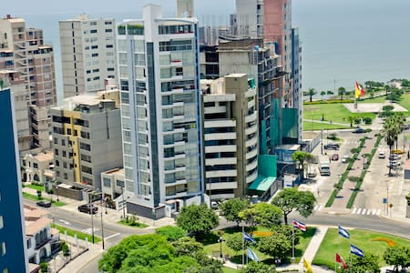 Apartment w/Panoramic Ocean Views - Miraflores District