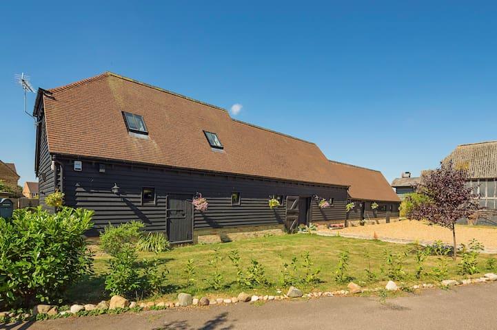 17Century, The Old Hen House, Ladyship Barn 2P