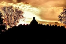 Borobudur at dusk. Photo taken by Hanes Wiyata.