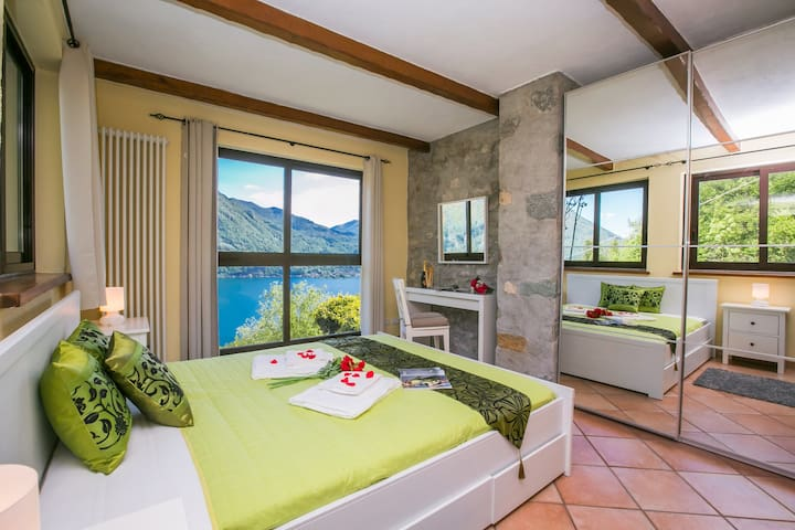 Spacious Italian Lakeside Villa with pool - Porlezza - วิลล่า
