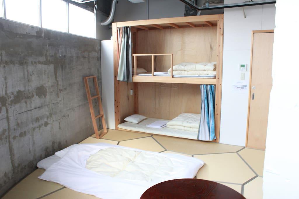 広々とした畳部屋