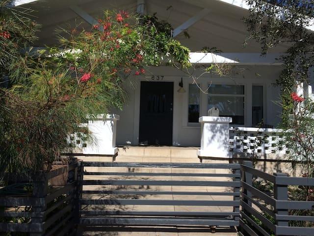 venice beach cottage