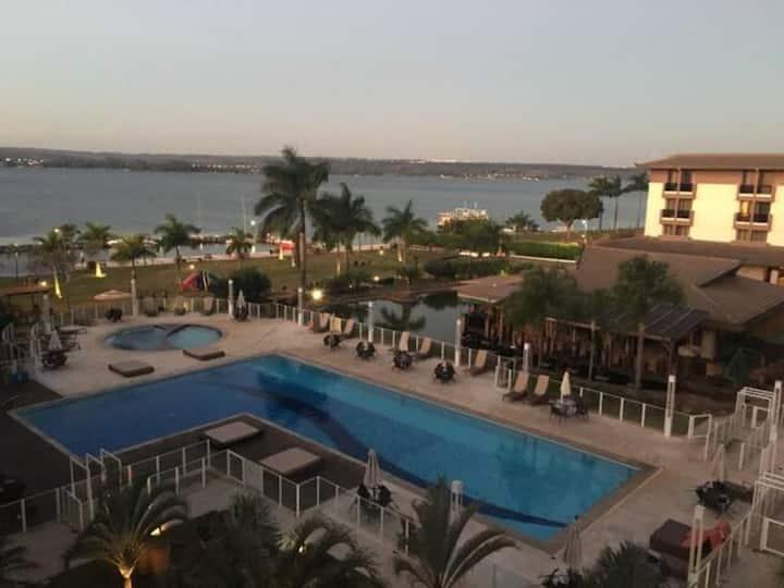 Life Resort - Loft energizante com vista para lago