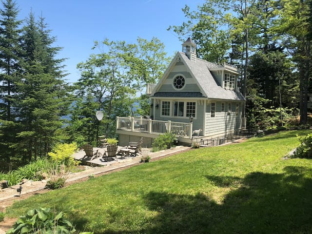 Magical Midcoast Maine Waterfront Cottage