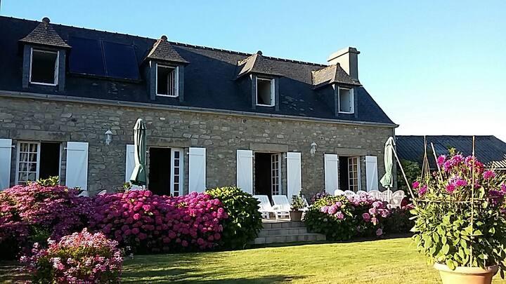 Belle maison bretonne confortable ☺