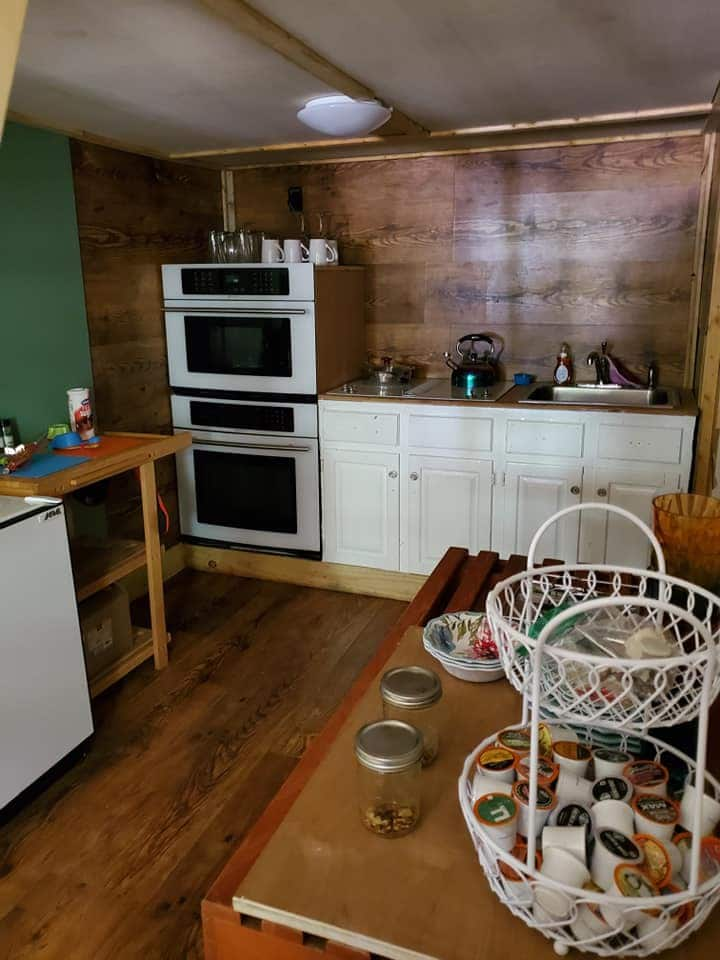Cabin 3: Back to nature (with modern conveniences)