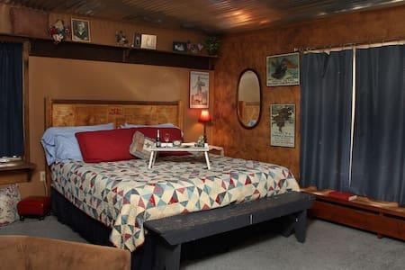 Pennington Place BnB  Elmer Fredrick Room