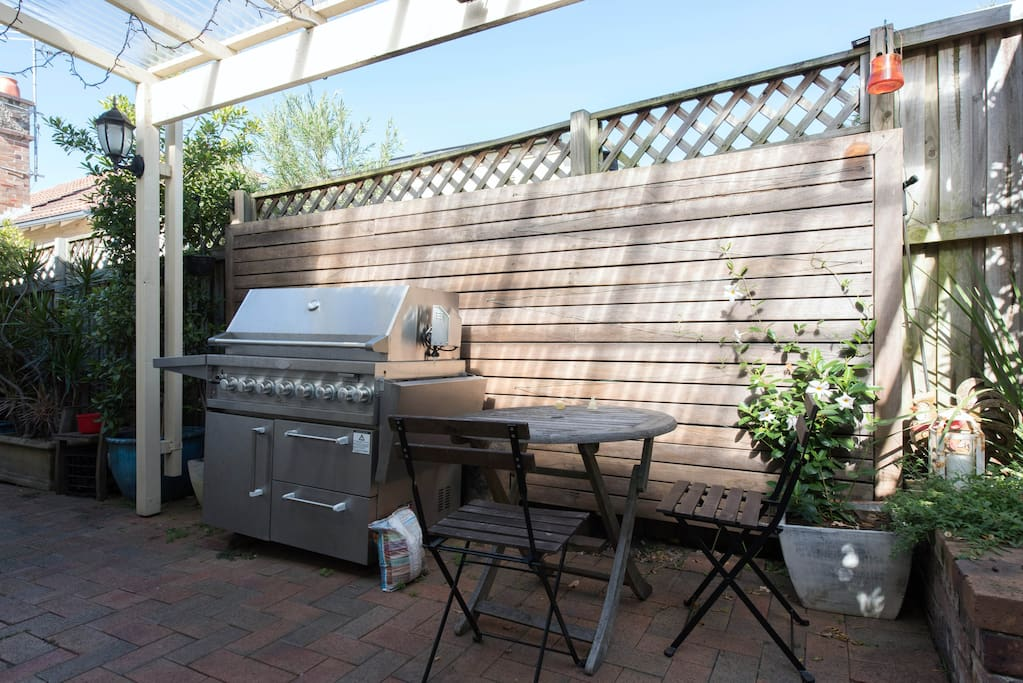 Fantastic Gas BBQ - its hooked up to the mains gas.