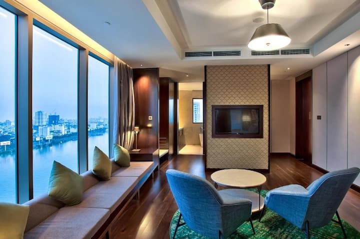Magnificent Suite One Bedroom At Danang