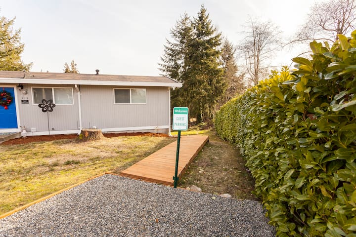 NEW 2Br Suite w/Private Entrance - Federal Way - Federal Way - House