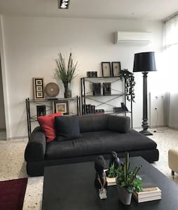 CasaGreek Athens Black Apartment Nea Filadelfia
