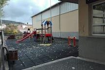 Columpios infantiles municipales