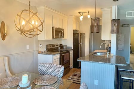 Gorgeous Condo in the heart of Frankfort