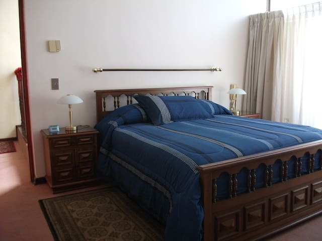 Large double bedroom. - Vinya del Mar