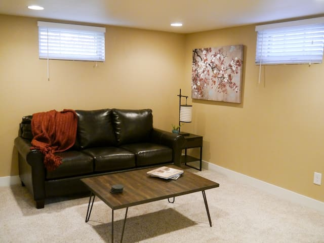 Charming, Spacious South Denver Retreat - Denver - Apartment