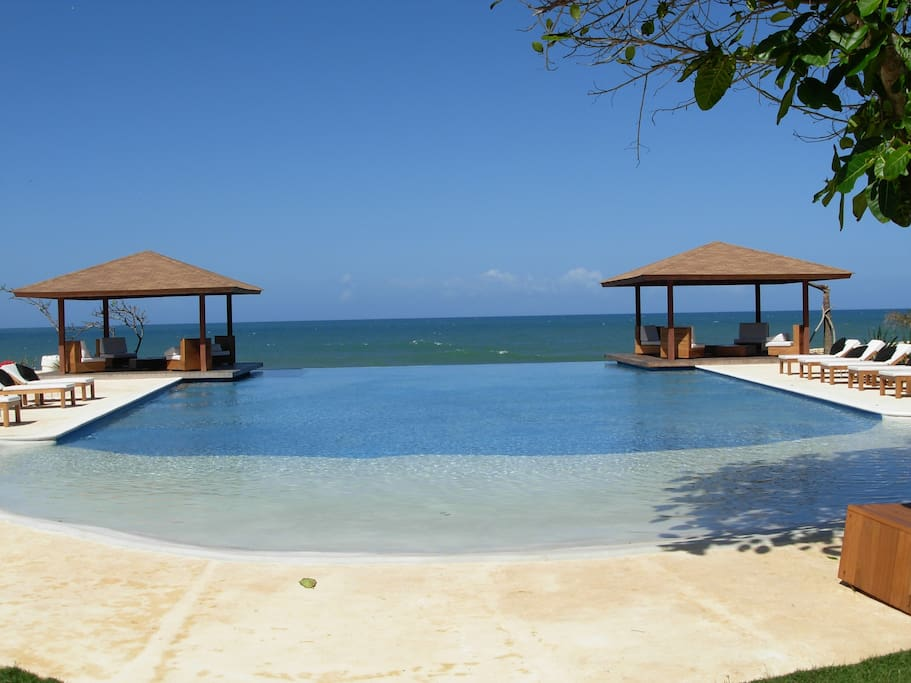 Oceanfront Pool and Restaurant