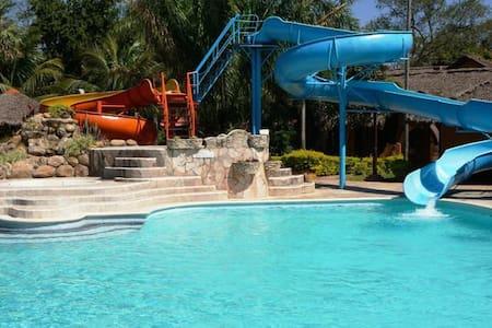 Hotel Rio Selva Resort Santa Cruz - Blockhütte