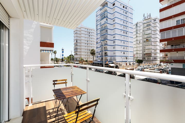 Beautiful and modern duplex. Terrace. 150 m from the beach of Torre del Mar