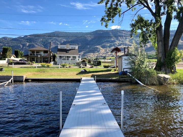 Vintage Vibes Vacation Home - Osoyoos Lakefront!