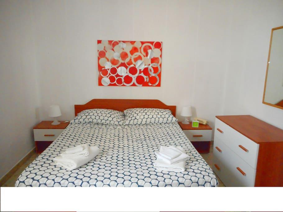 1° camera  con letto matrimoniale