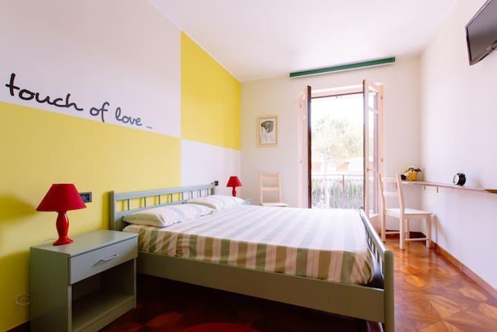 """B&B """"A casa di Lucio e Giuliana"""" - Pineto - Bed & Breakfast"""