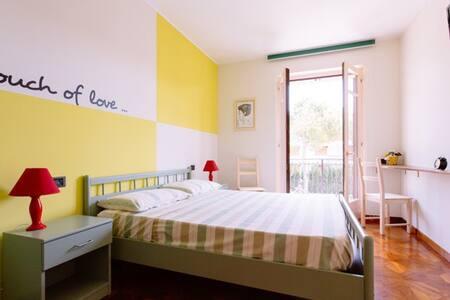 """B&B """"A casa di Lucio e Giuliana"""" - Pineto - ที่พักพร้อมอาหารเช้า"""