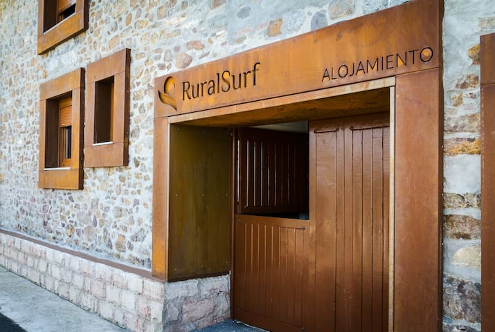 HOSTEL,ALBERGUE RURALSURF ,NAVECES  - Asturias - House