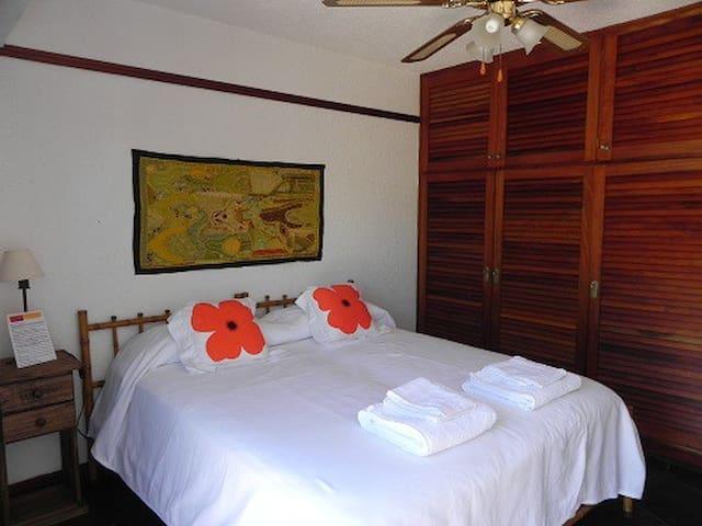Great double room/private balcony!! - Punta del Este - Bed & Breakfast