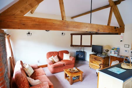 Farmhouse cosy converted barn - Monmouth - Lejlighed