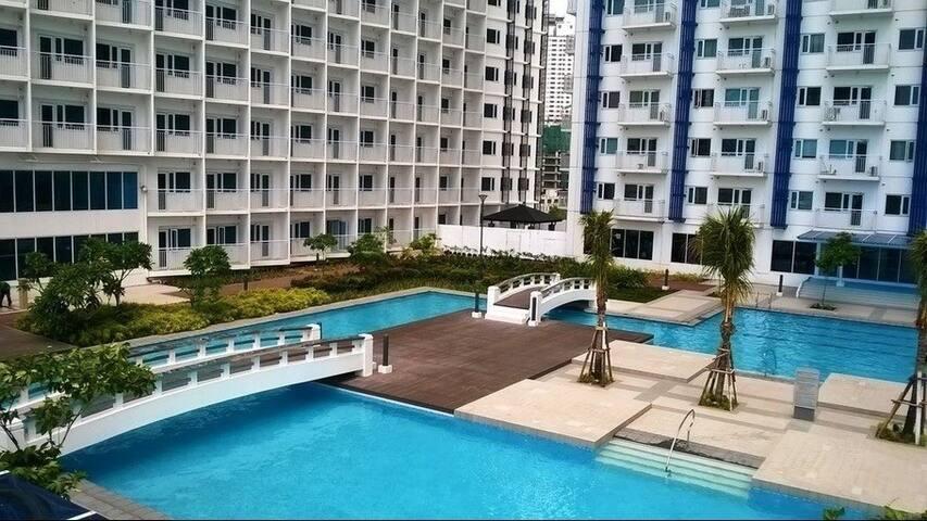 Jazz in Makati 5 star condo hotel
