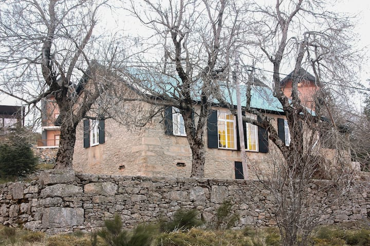 Mountain House/ Serra da Estrela, Penhas da Saúde
