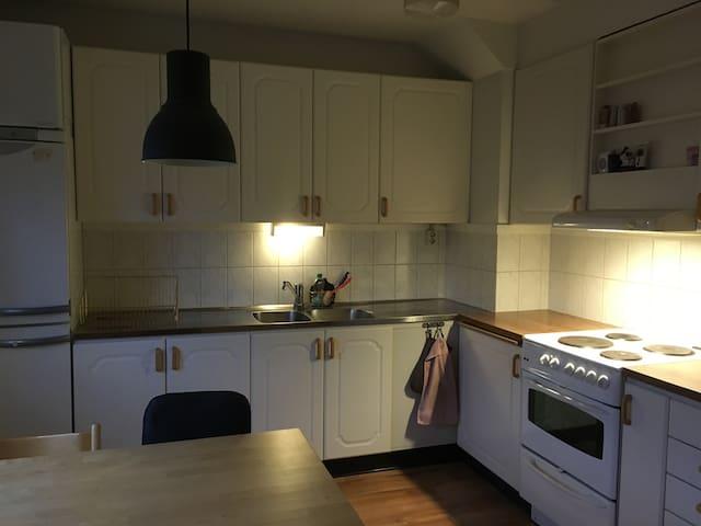 Stor lägenhet i lugnt område - Borås - Lägenhet
