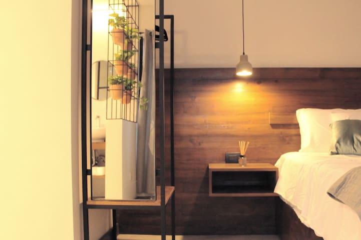 HOTEL BOUTIQUE CASA BE (BUGAMBILIA)