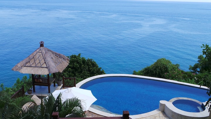 Batu Tangga - Private Pool & Blue Ocean Views