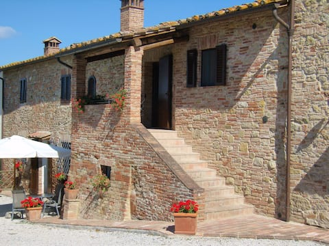 "tuscan holiday ""la loggia ""near  san gimignano"