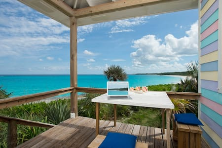 Cayo Loco Pink Sand Beach Oceanfront House for 2!
