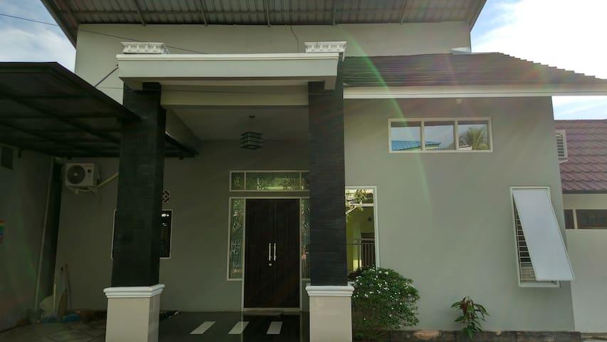 Bellaza's House