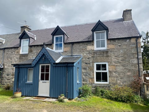 Stylish Cottage in the heart of the Cairngorms