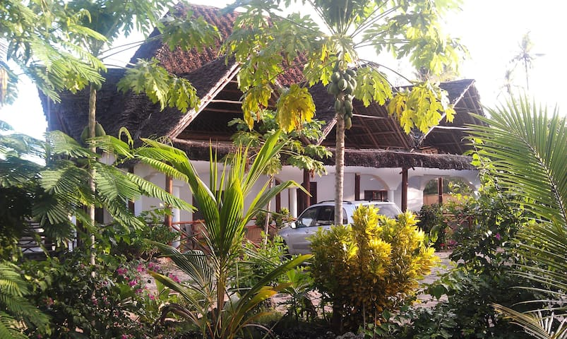 140m2 'Eco' beach-holiday home - Zanzibar - Byt