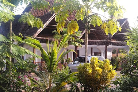 140m2 'Eco' beach-holiday home - Zanzibar