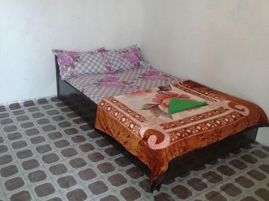 Single bedroom - shared bathroom