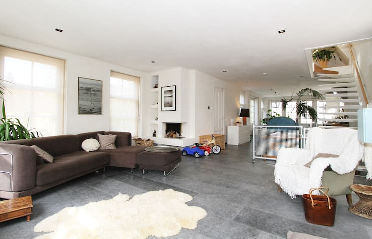 Spacious, modern and clean living