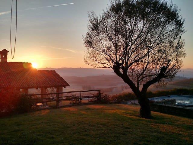 cascina del '600 ristrutturata (18 posti) - Verduno - Villa