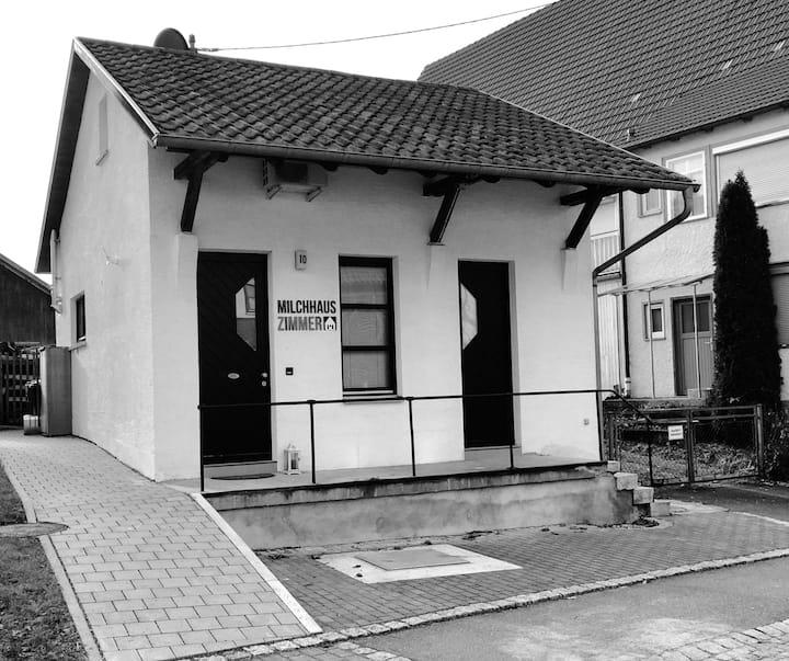 Schlafen im ehemaligen Milchhaus (EG)