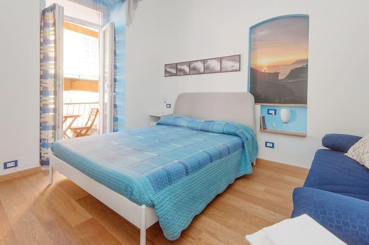 La Camera BLU di Giulia - Manarola