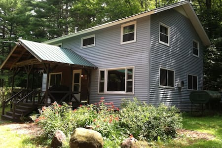 Dancing Fern Lodge - Keene - Casa
