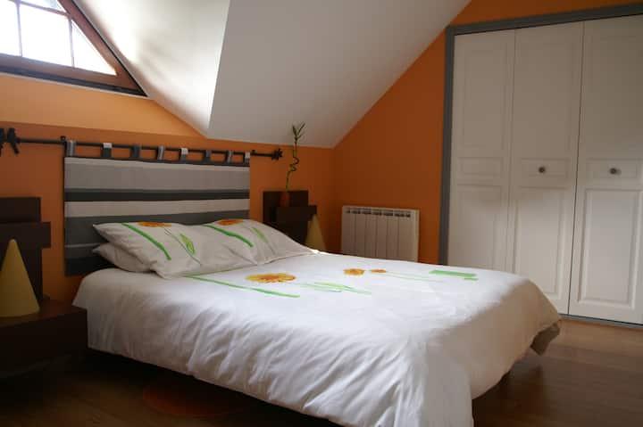 Chambre Orange privée à Savonnières