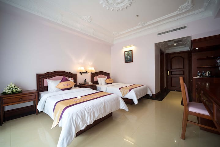 Regency Angkor Hotel - Krong Siem Reap - Bed & Breakfast